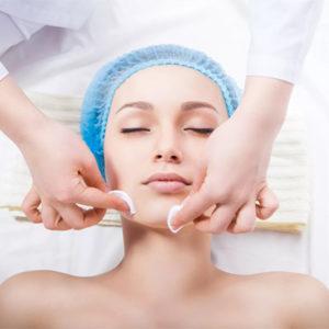 Ручная механическая чистка лица у косметолога